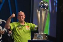 Michael van Gerwen werd deze maand wereldkampioen © AFP