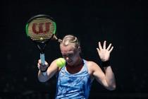 Kiki Bertens is na haar nederlaag in het dubbelspel klaar in Australië. © EPA.