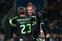 Bas Dost en Marvin Zeegelaar staan in de basis bij Sporting. © AFP
