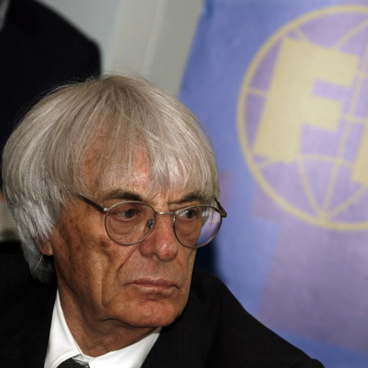 Bernie Ecclestone blijft voorlopig nog directeur van de Formule 1 © EPA